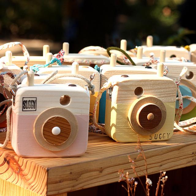 SUGGY(木のトイカメラ「写ラナインです」)